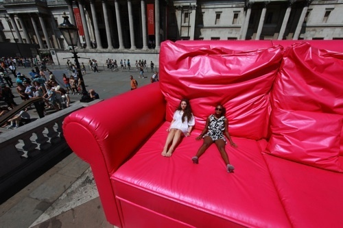 Pink Thing Of The Day: Giant Pink Sofa