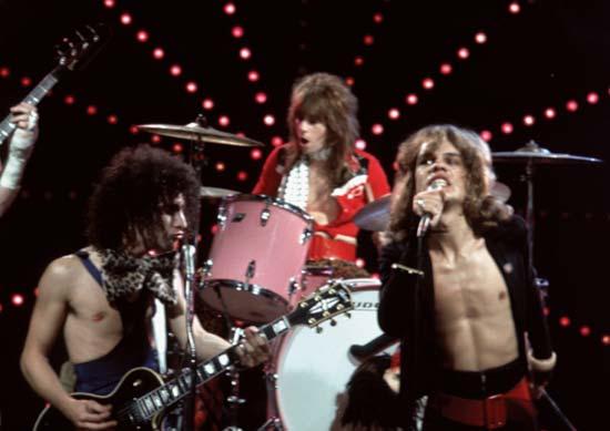 Jerry nolan with bandmates sylvain sylvain left and david johanson