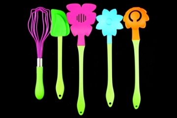 Bloom Kitchen Utensil Set