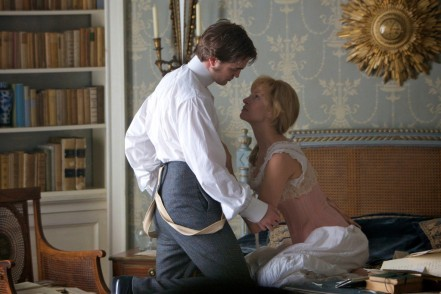 Robert Pattinson and Uma Thurman in Bel Ami