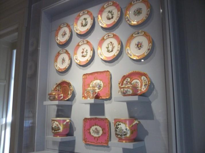 Huntington Library Pink Ceramics Case