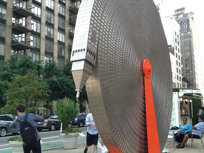 Coiled Met Life Building By Alexandre Arrechea 1