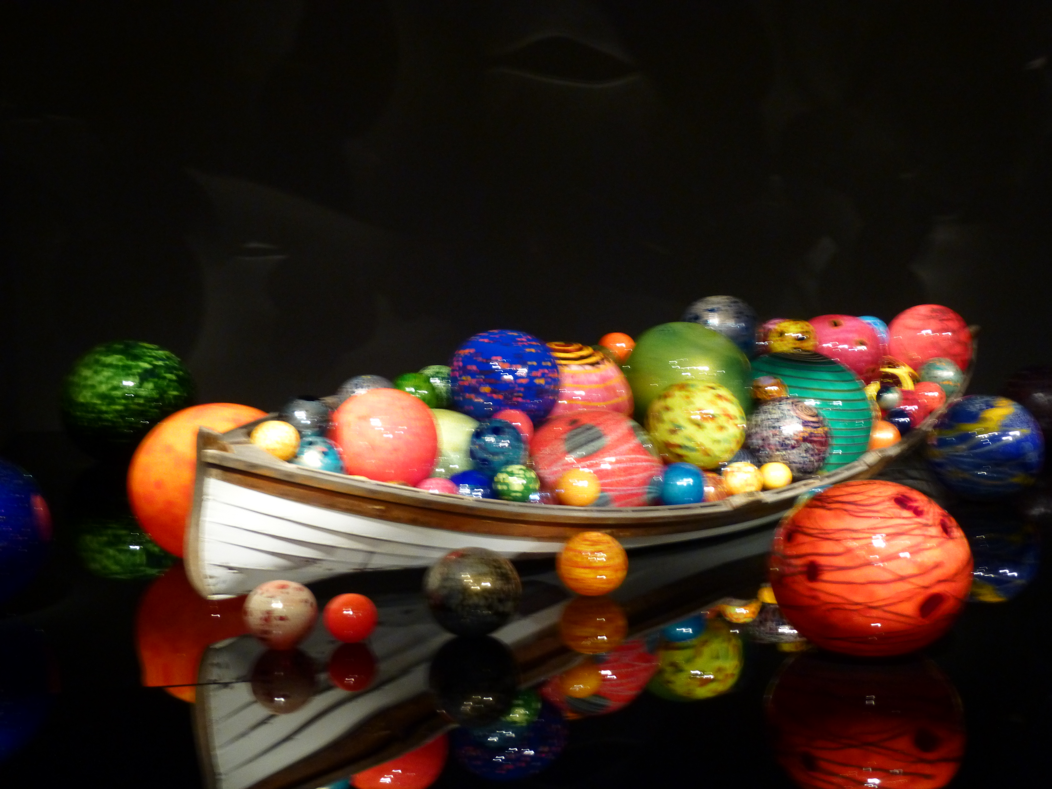 Chihuly Garden And Glass Boat