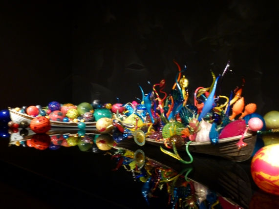Ikebana and Float Boat