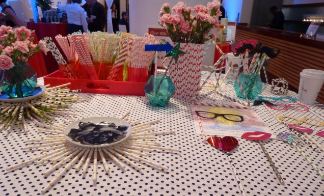 Aardvark Straws Table Display