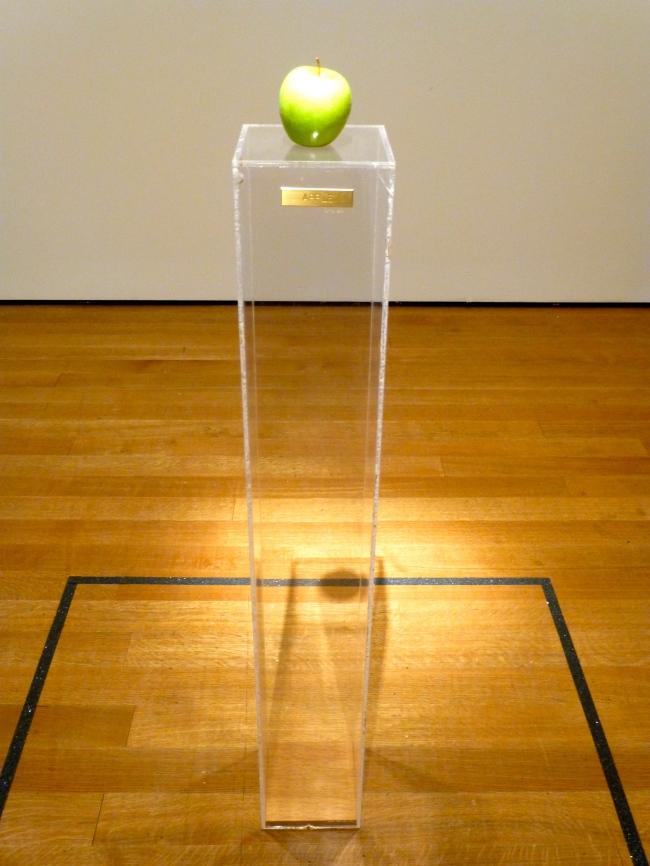 Apple (1966)