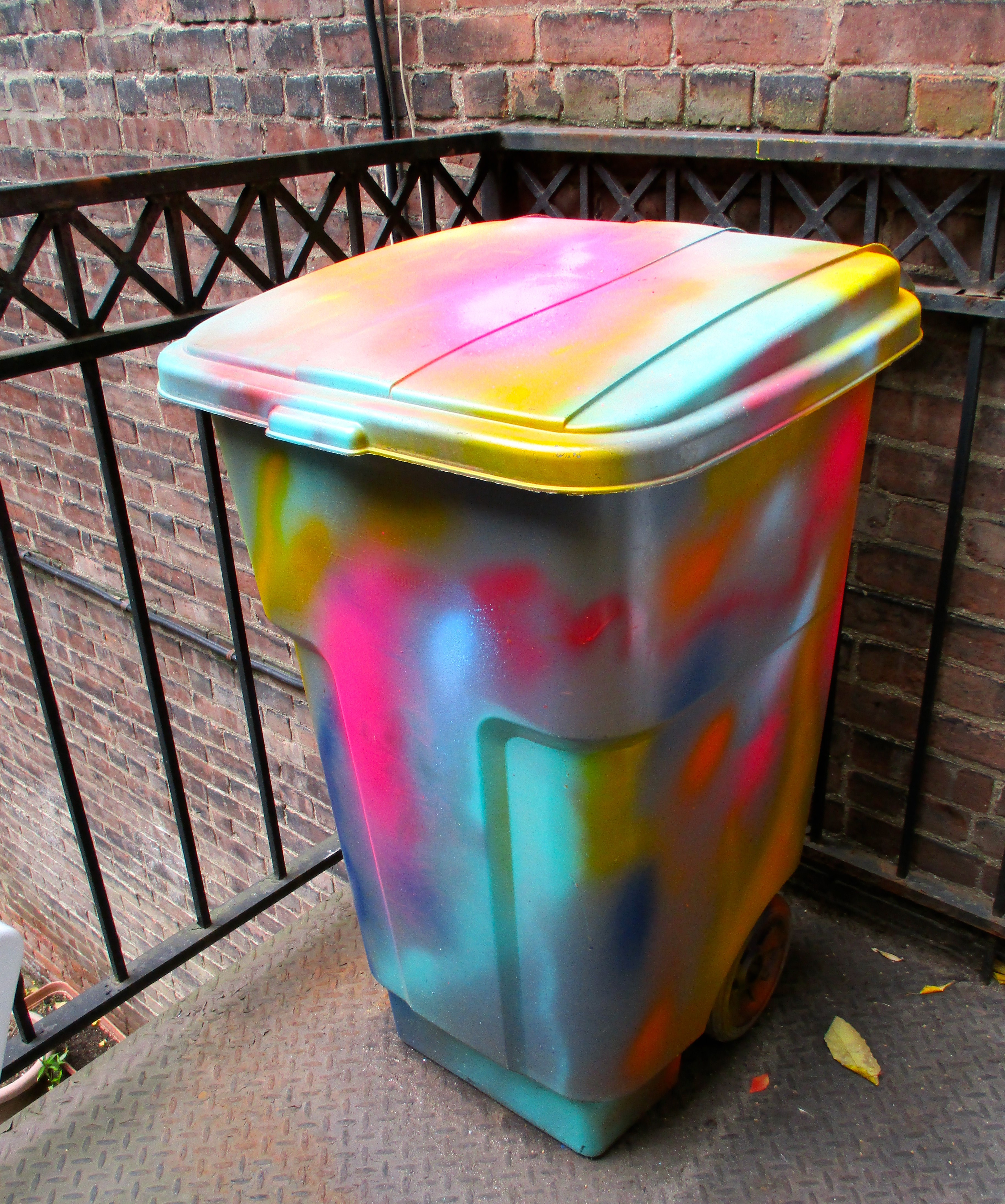 Diy Psychedelic Recycling Bin The Worley Gig