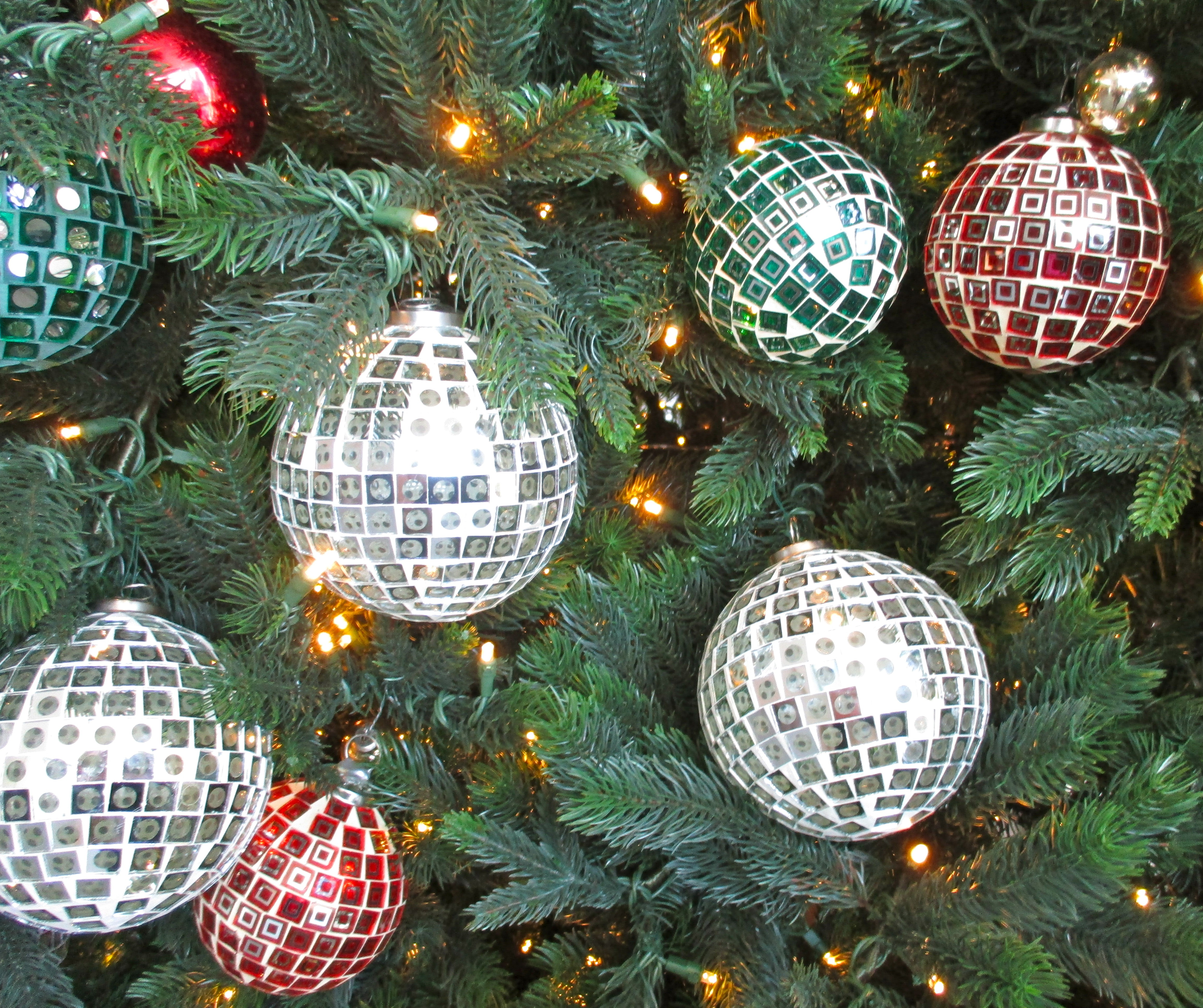 Disco Balls Decorations: Glitter Ball Christmas Tree Decorations