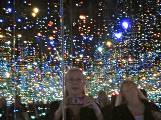 Yayoi Kusama Infinity Mirror Room