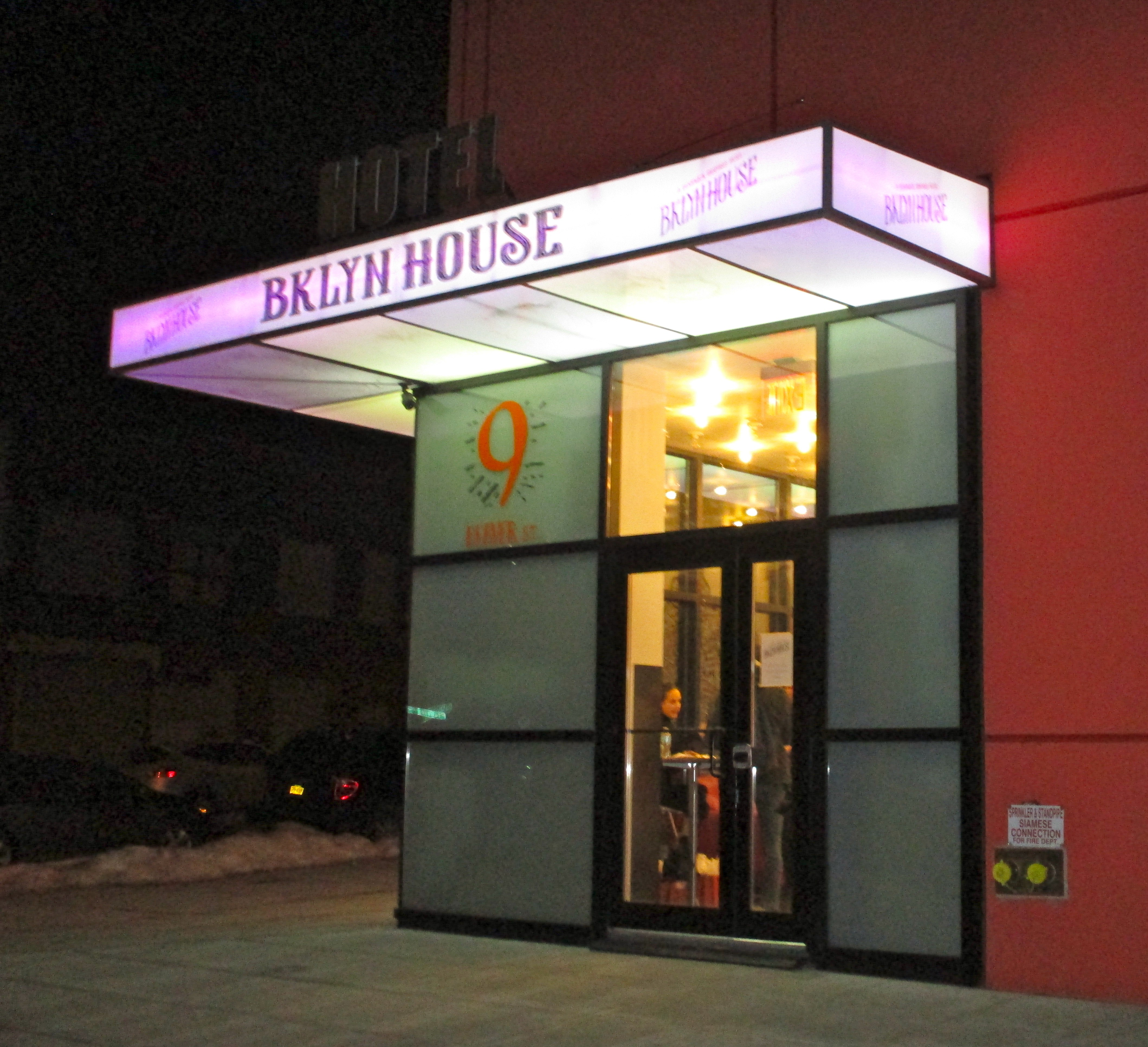 Bklyn house affordable boutique hotel showcases work by for Affordable boutique hotels