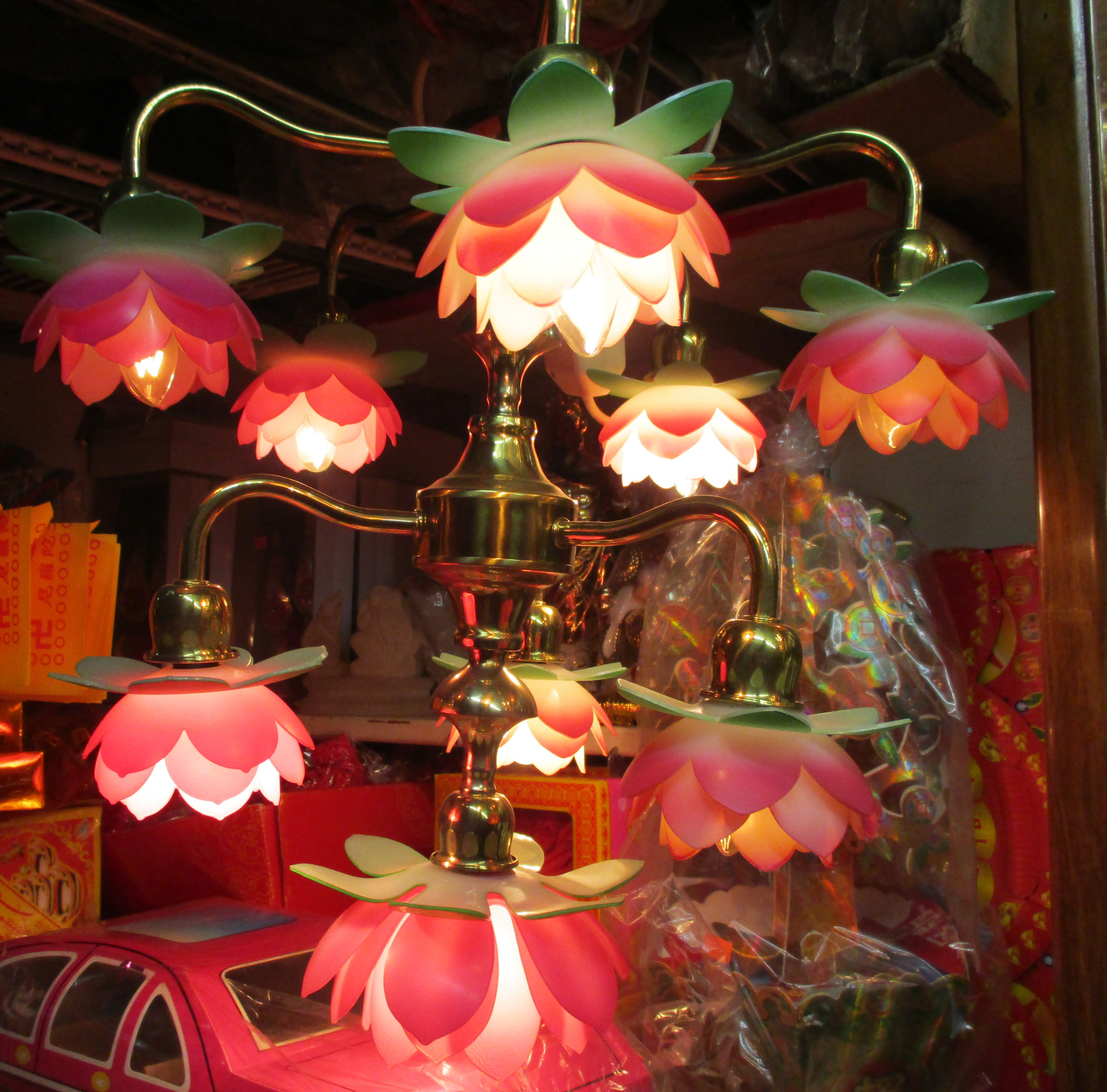 Pink Thing Of The Day Chinese Lotus Flower Chandelier The Worley Gig