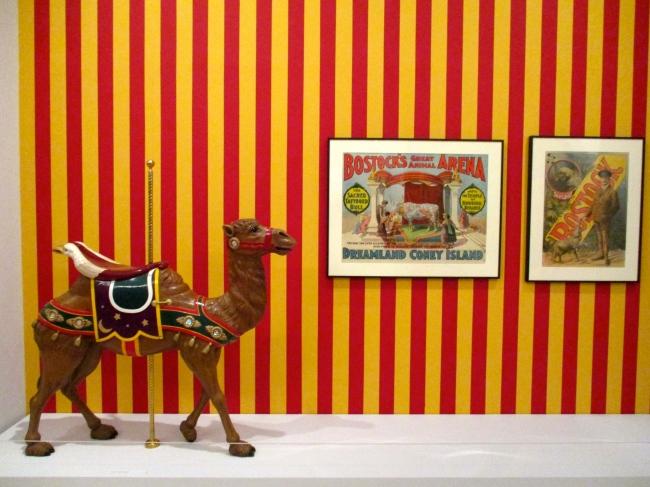 Arabian Camel Stander