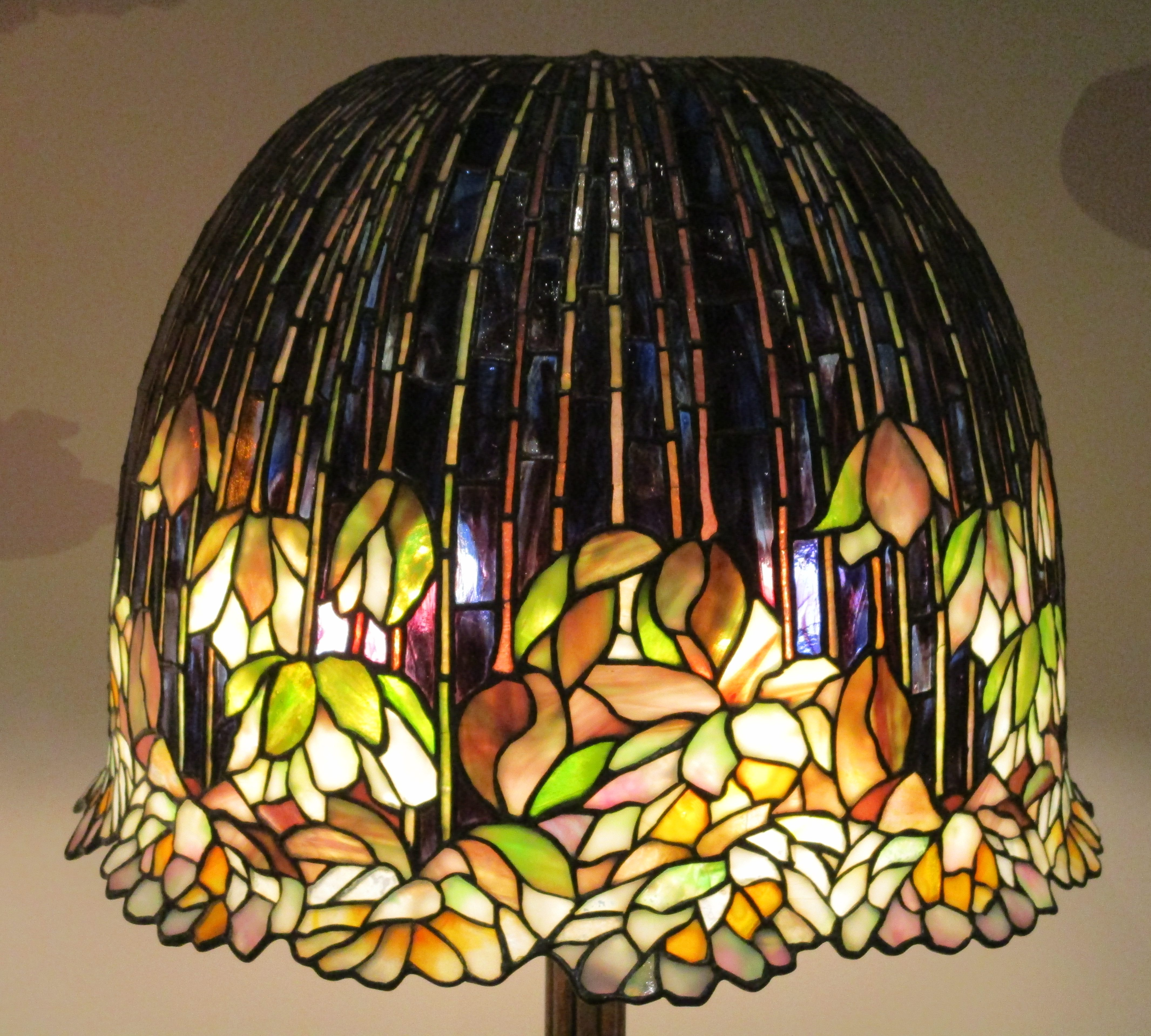 Tiffany glass the worley gig pond lily library lamp shade detail mozeypictures Gallery