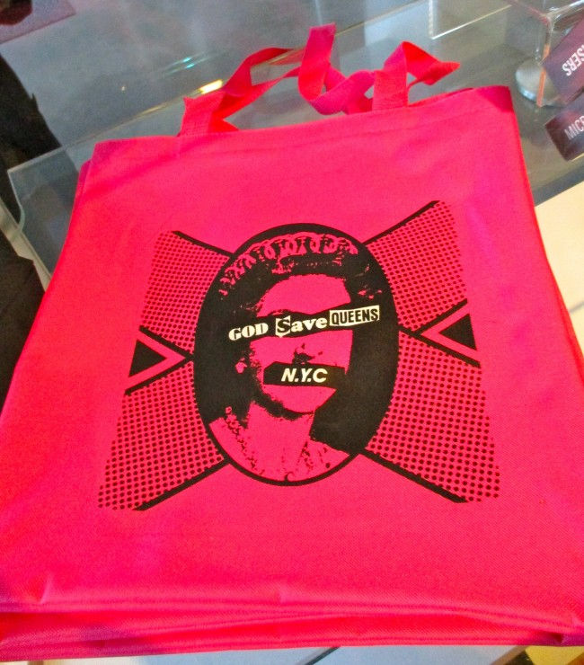 God Save Queens Tote Bag