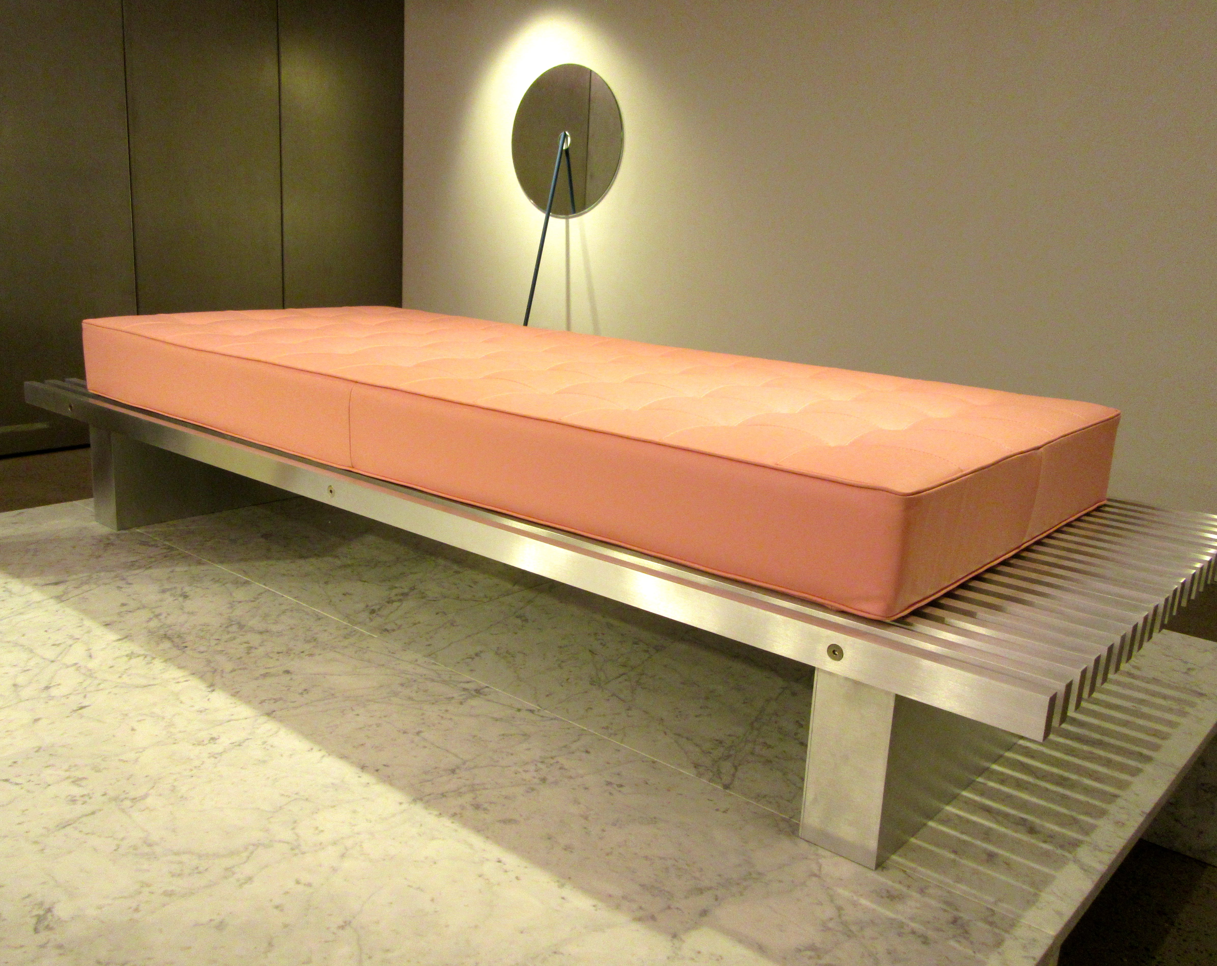 Daybed holz  Chamber Boutique   The Worley Gig