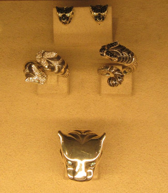 Legends Macan Rings
