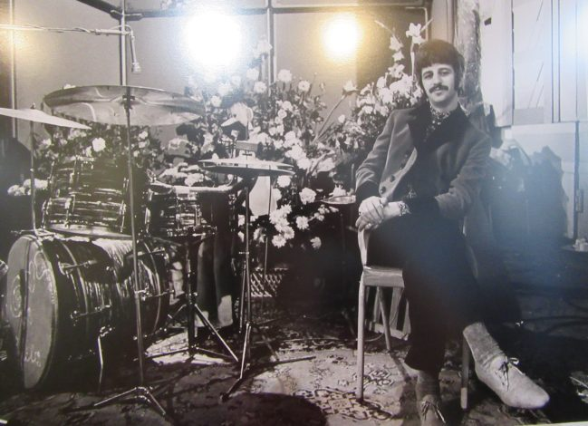 Ringo as Barry Wom