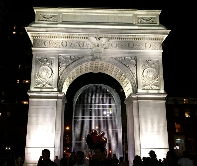 Washington Square Arch Park to Street View
