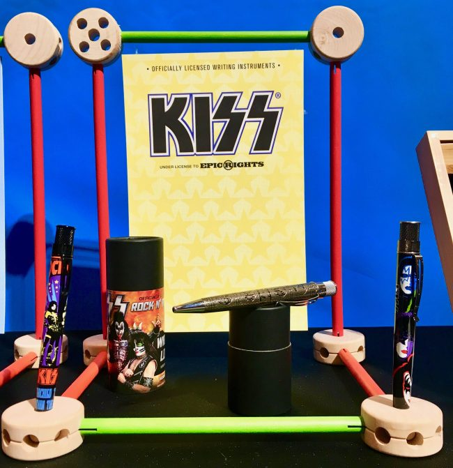 Kiss Pens Display